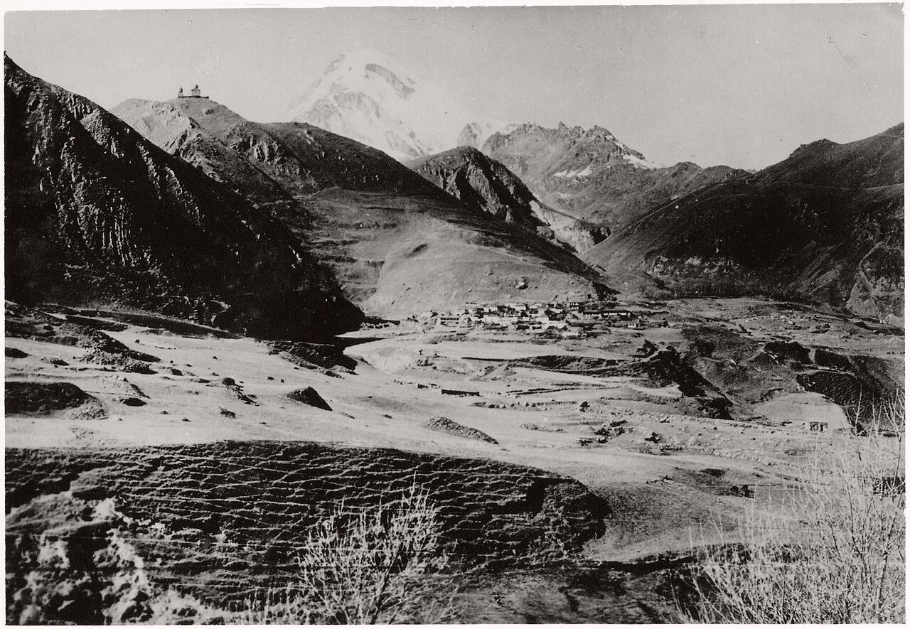 Вид горы Казбек
