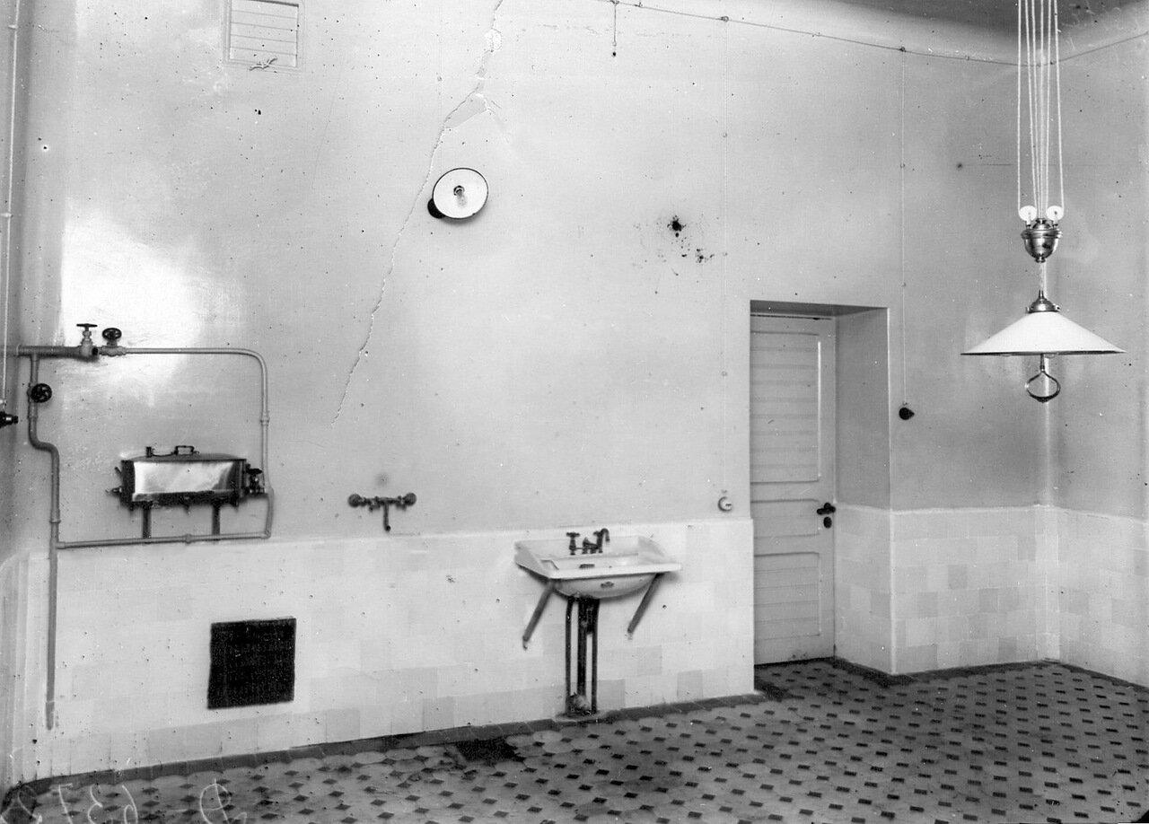 12. Умывальная комната