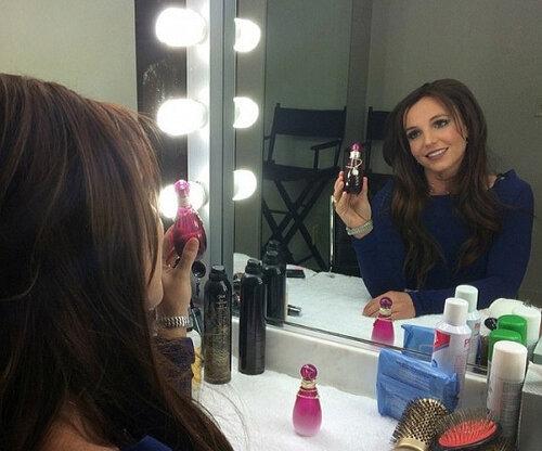 Бритни Спирс решила стать брюнеткой