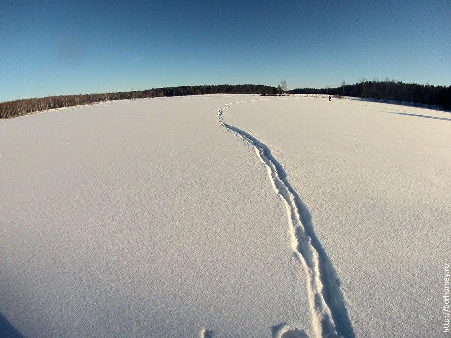 озеро протяжное зимой