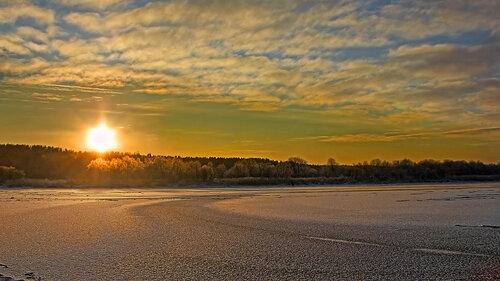 Зимний закат… он пылает пожаром...
