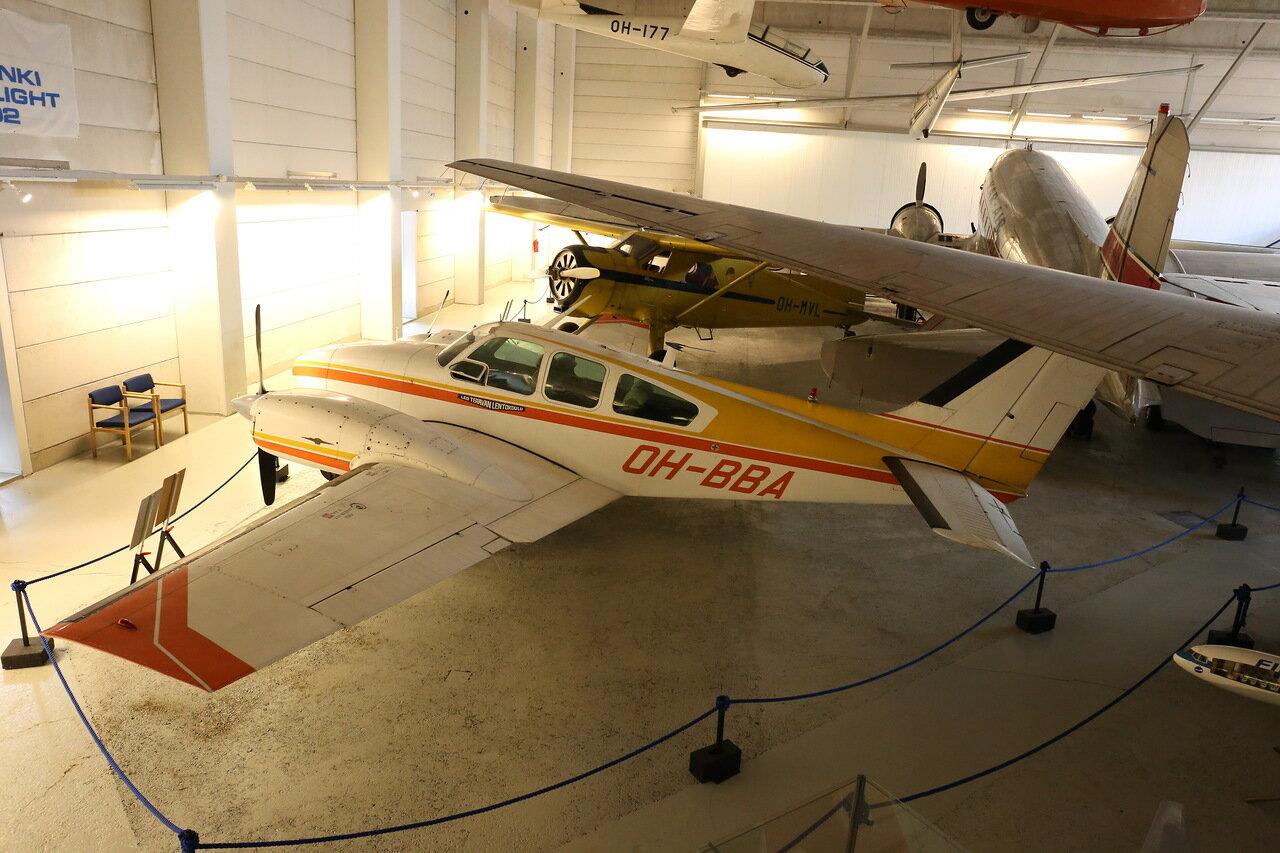 Авиамузей Хельсинки-Вантаа. Зал гражданской авиации. Beech Model 95-55 Baron