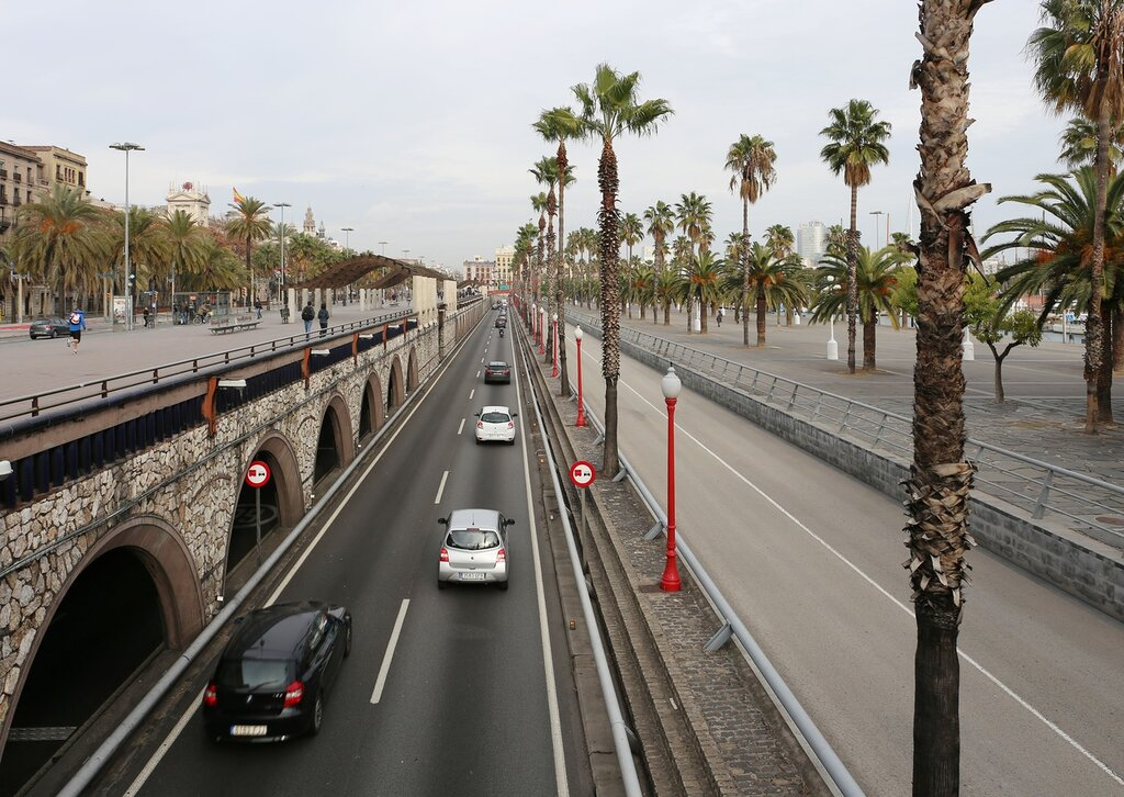 Barcelona. The promenade Moll de la Fusta. Drawbridge