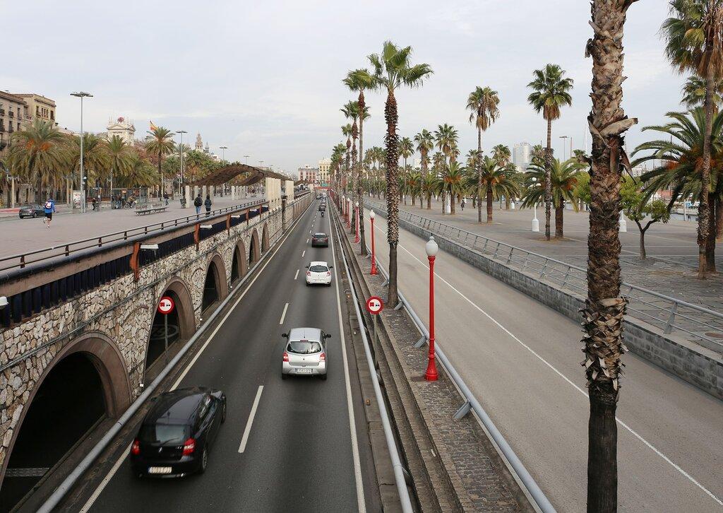 Barcelona. The promenade Moll de la Fusta. Drawbridge