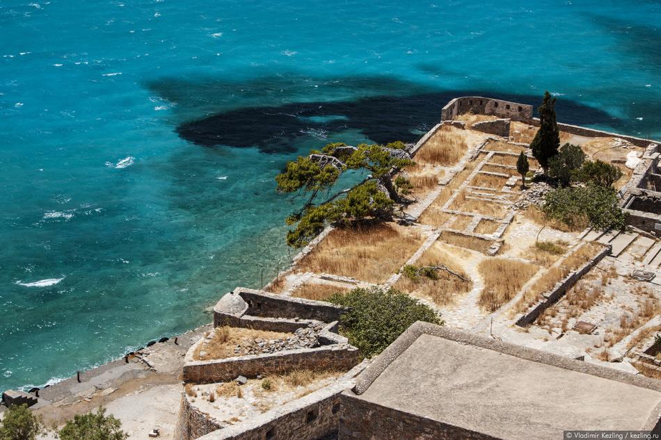 Первые больные лепрой прибыли на остров в 1904 году, а к 1913 году их насчитывалось уже около 1000.