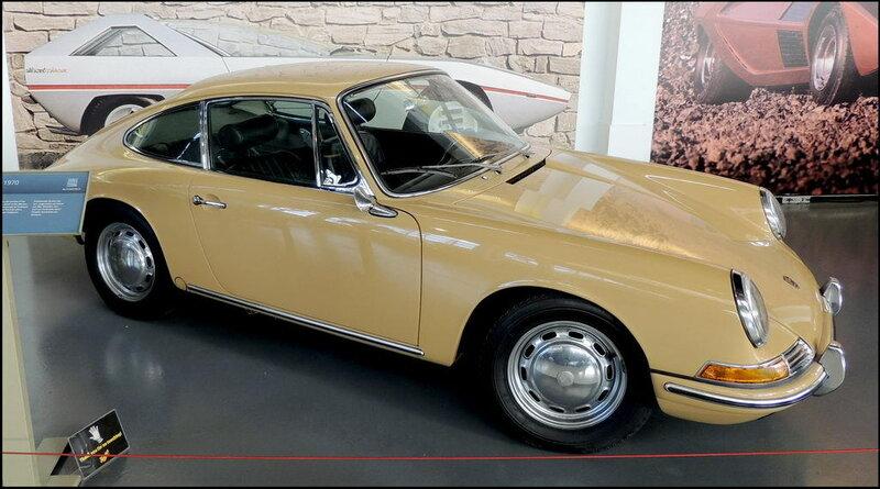 Autoworld 8424 Porsche 912 Coupe 1970