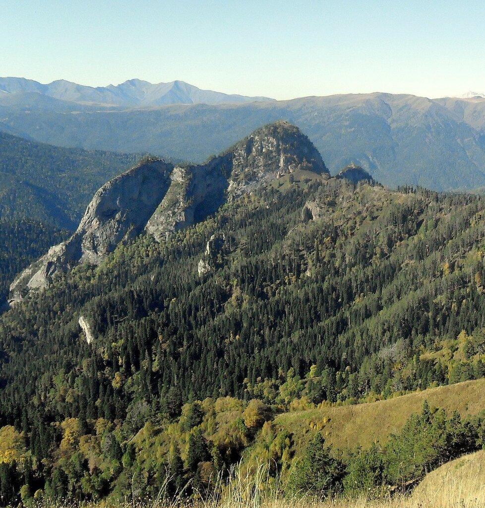 В горах Кавказа, осень