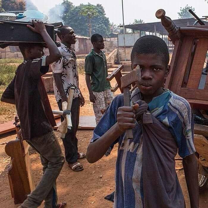 Погромы на улицах столицы Центрально-Африканской республики города Банги (2)