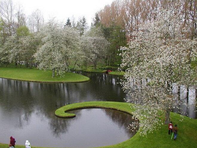 Сад космических размышлений. Дамфрис, Шотландия