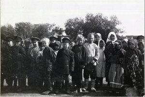 Дети на улице в Сарове. 1912