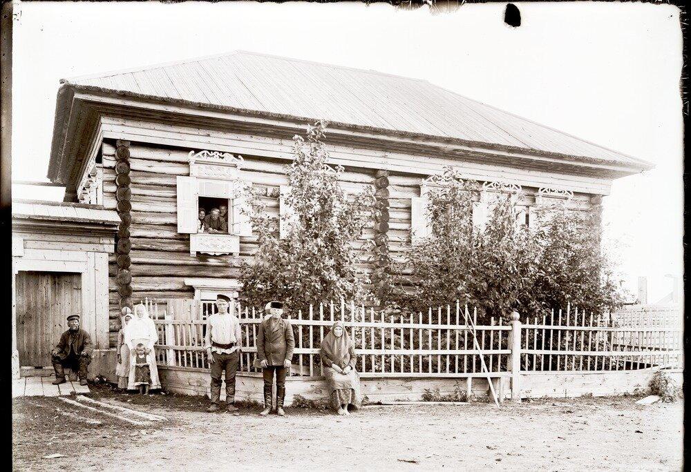 1912. Село Уват, дом зажиточного крестьянина