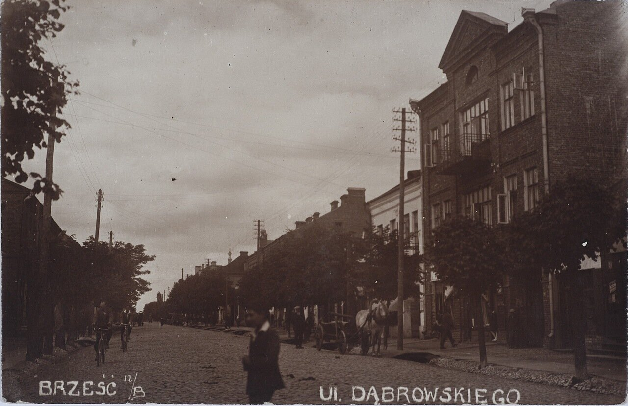 Домбровская улица