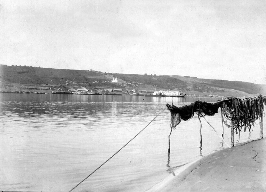Вид с левого берега Волги. 1890