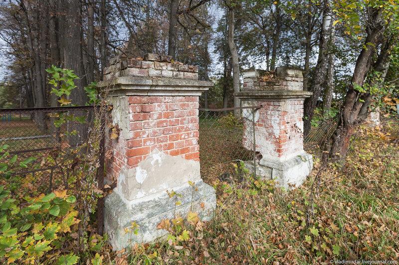 Столбы въездных ворот