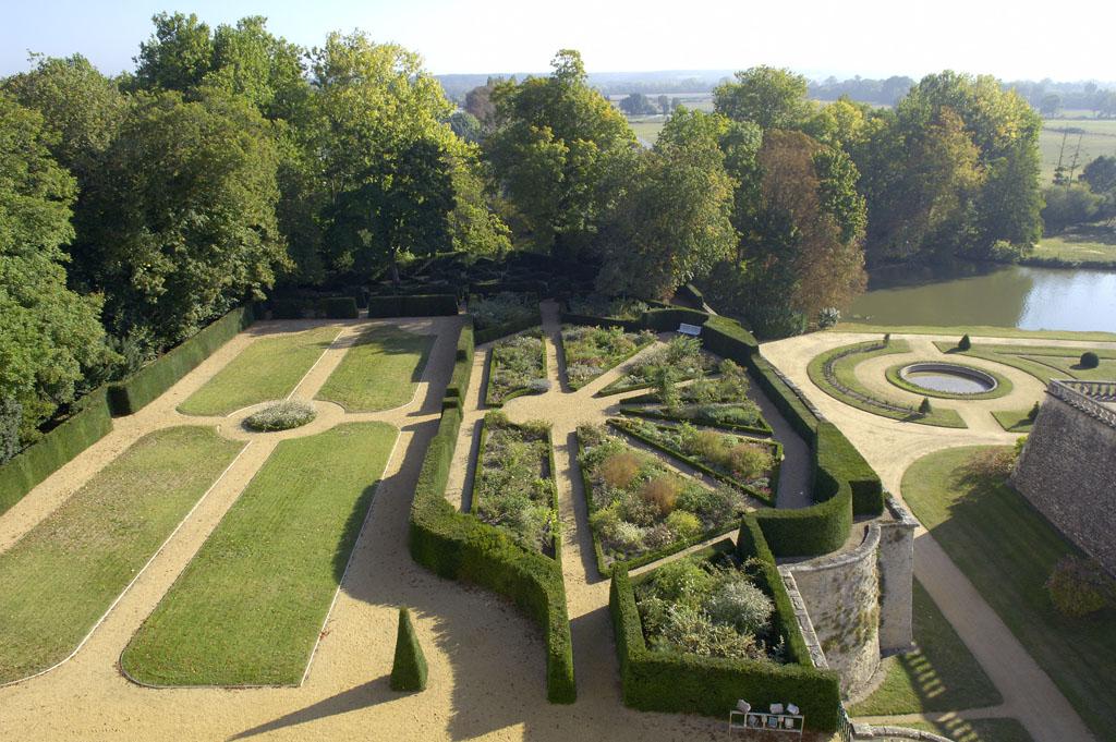 72-jardins-du-chateau-du-lude.jpg
