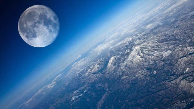 Сенсационное открытие русских астрономов: Луна— подарок пришельцев