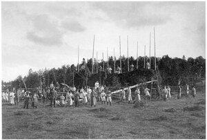 Соловетский монастырь. Монахи и трудники на сенокосеэ 1908-1910 гг.