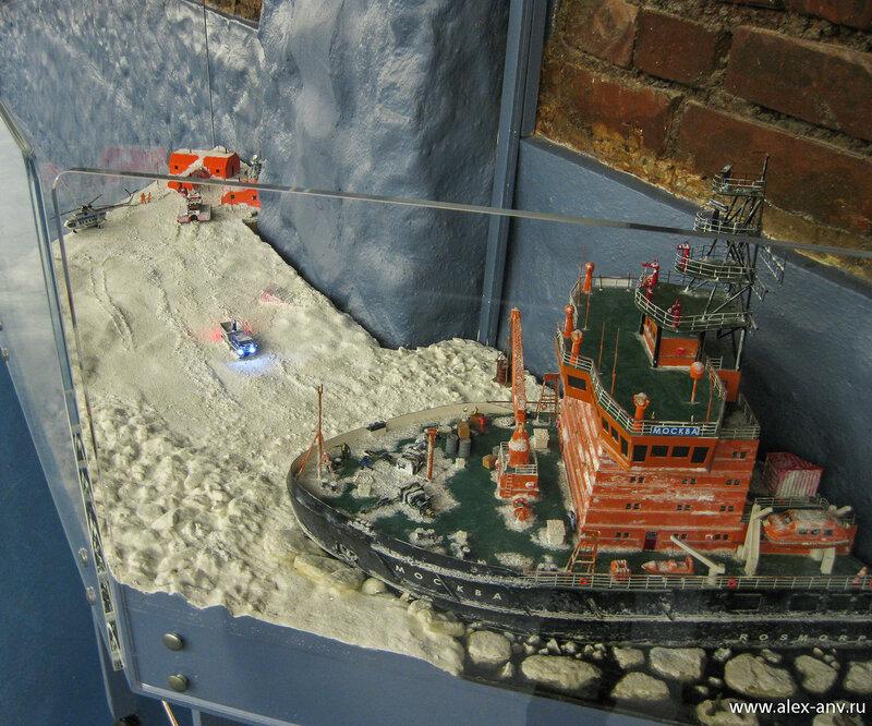 Отдельно от основного макета притулился Северный Ледовитый океан.