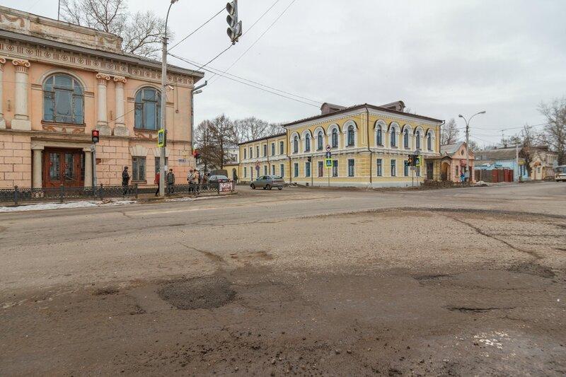 Пересечение улиц Володарского и Ленина, Кимры