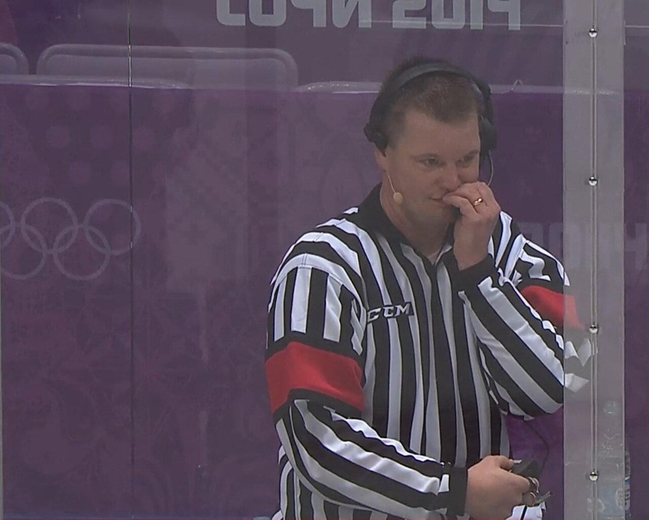 Главный судья матча Россия - США, Брэд Майер (США)