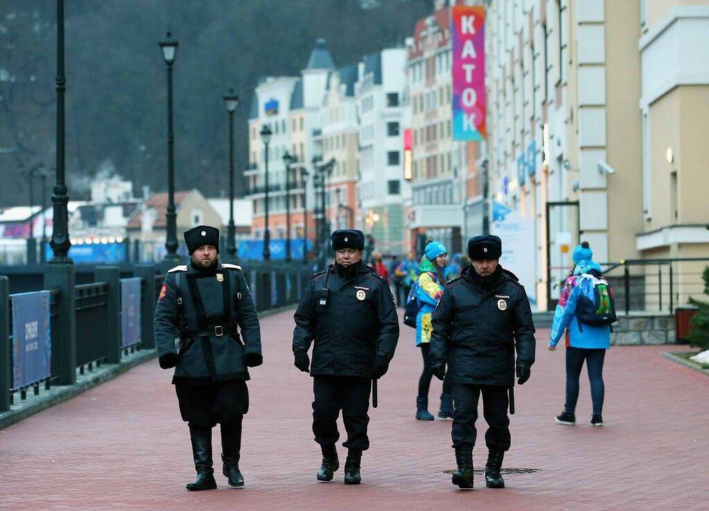 Совместные патрули полицейских и казаков на улицах, прилегающих к олимпийским объектам (1)