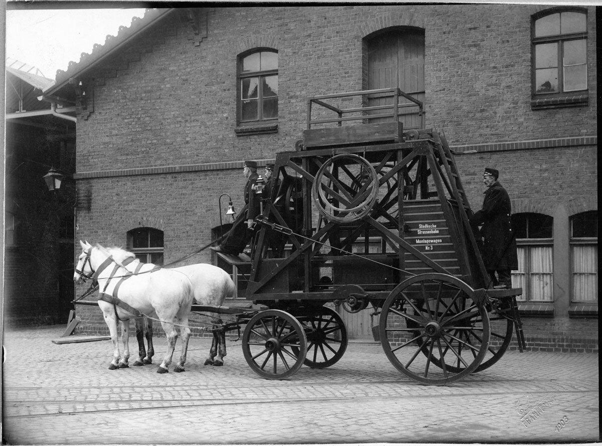 1903.  Повозка пожарных во Франкфурте-на-Майне