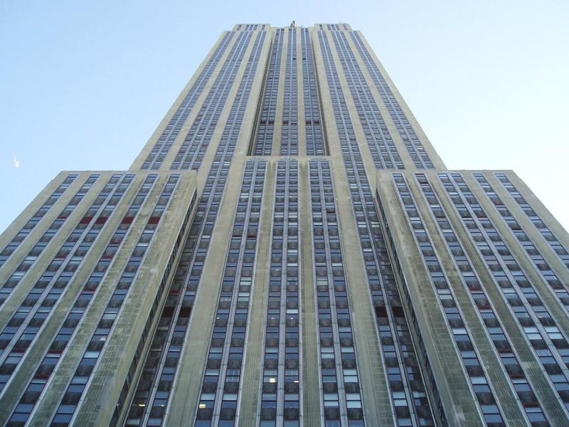 41 год Эмпайр-стейт-билдинг был самым высоким зданием в Нью-Йорке и 23 года — самым высоким сооружен