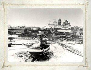 Вид на берег Волги и Крестовоздвиженский женский монастырь