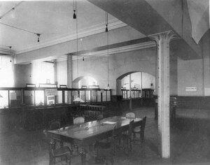 Кассовый зал Государственного банка.
