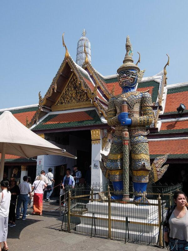 Бангкок - Страж в Храме Изумрудного Будды
