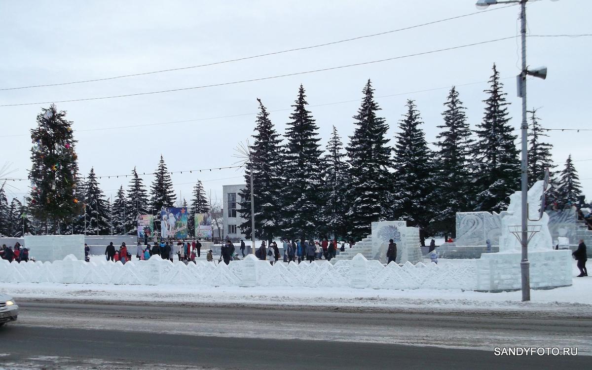 2-е января 2014 на центральной площади Троицка