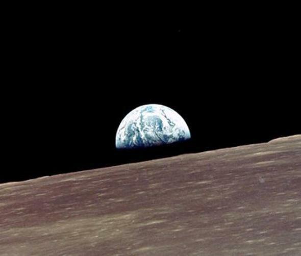 Поверхность Луны, снятая с борта Аполлона-10. Фото: НАСА