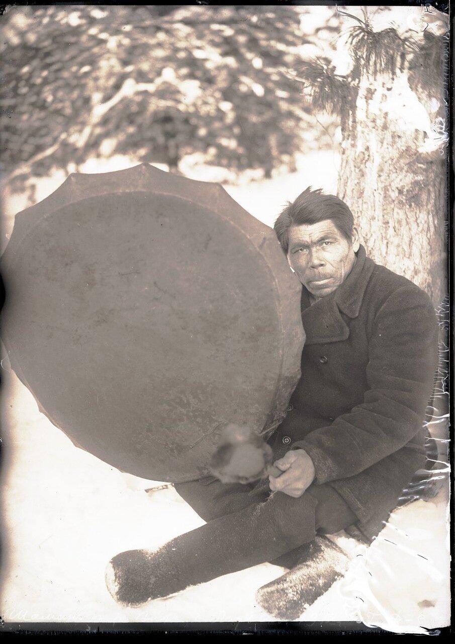 1912. Село Ларьяк. Шаман