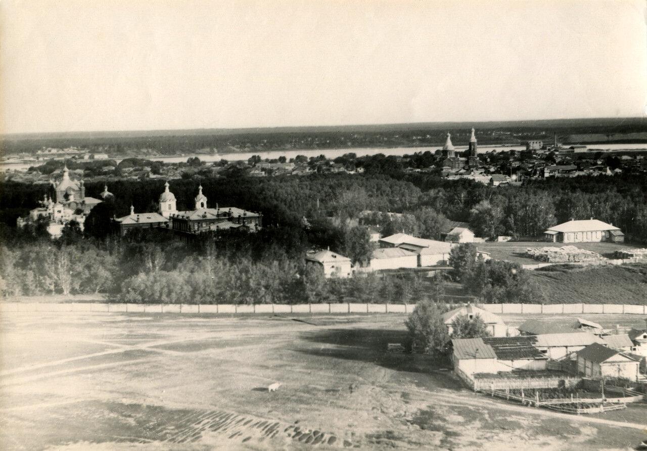 Вид города с горы