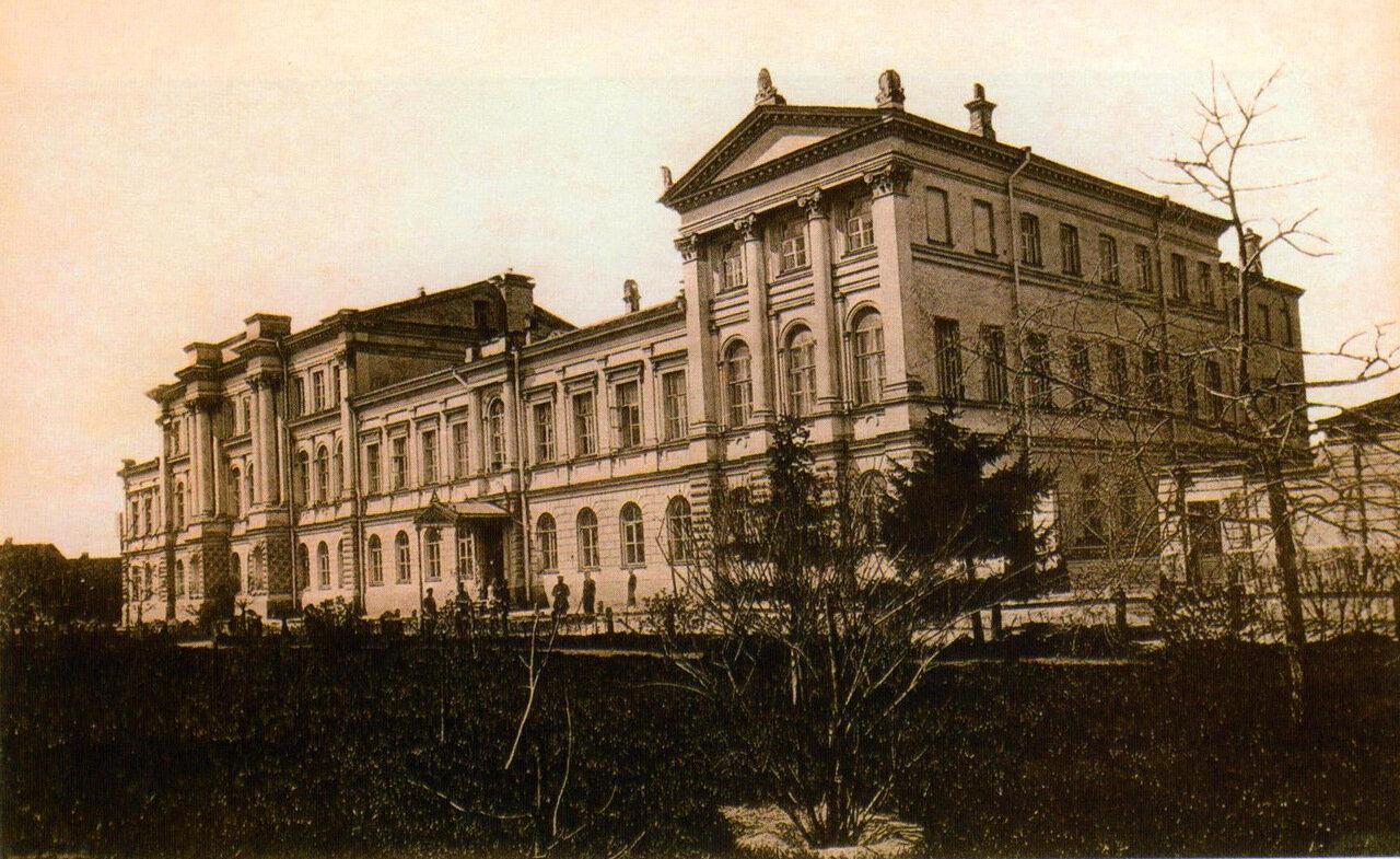 Здание второй женской гимназии на ул. Вознесенская