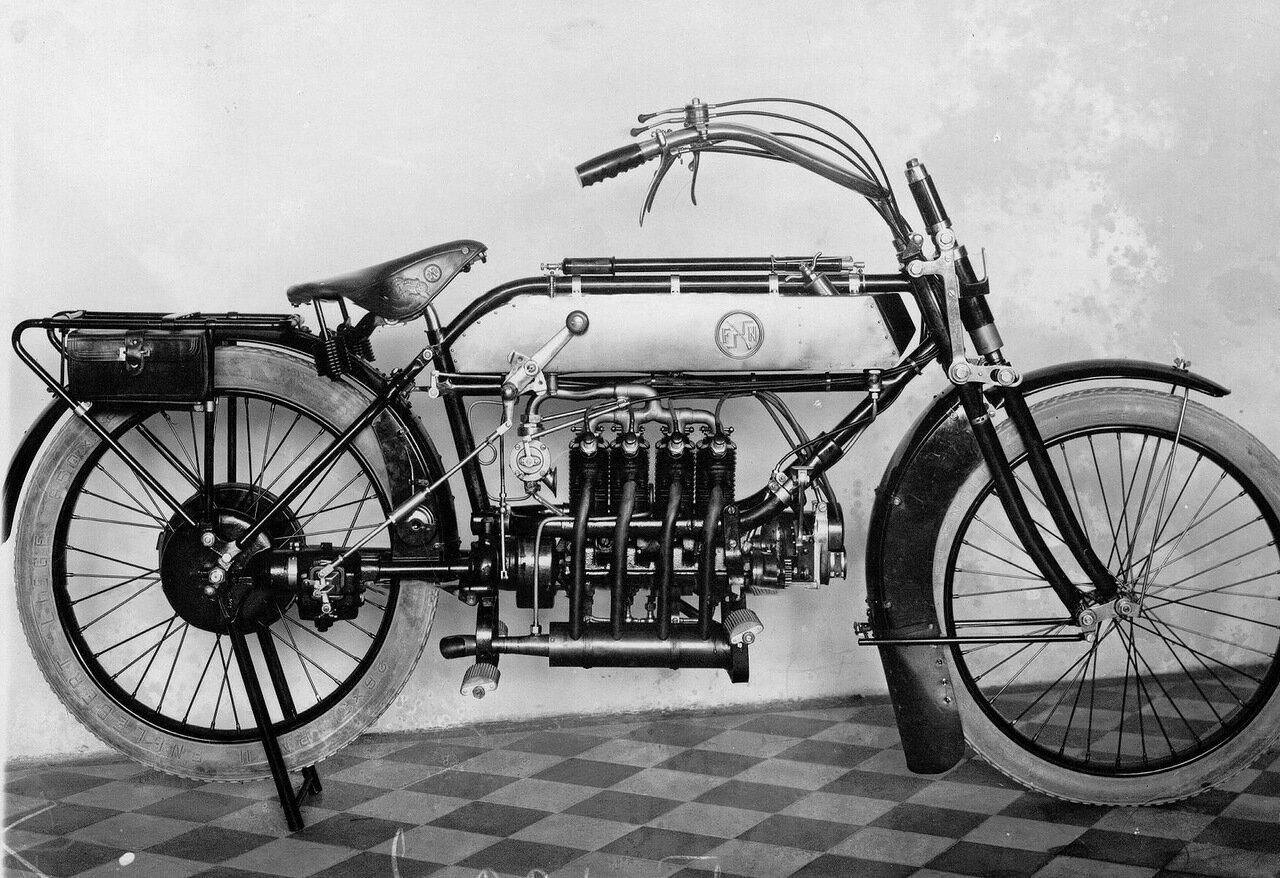 02. Вид мотоцикла