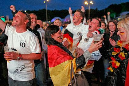 Власти Германии были вынуждены внести изменения в законодательство в преддверии футбольного ЧМ