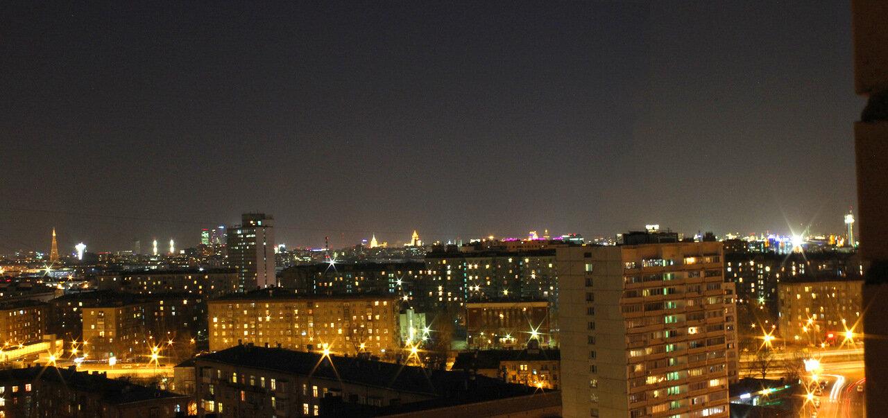 Вид из окна: Центр Москвы ночью