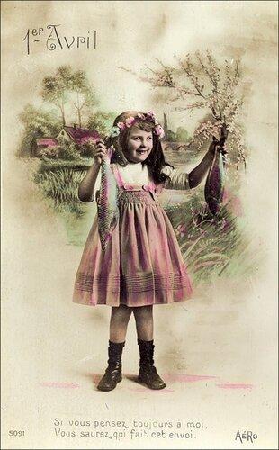1 апреля. Девчушка с рыбками открытка поздравление картинка