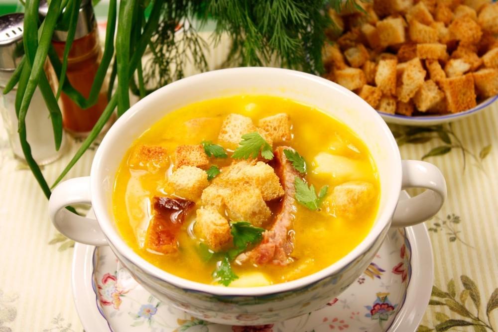История горохового супа насчитывает несколько тысячелетий. Упоминания о нем есть в Древней Греции, Р