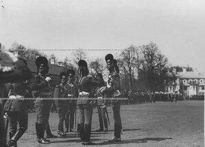Командир полка генерал-майор свиты великий князь Дмитрий Константинович с группой офицеров на храмовом празднике полка.