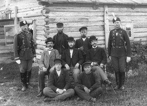 Группа рабочих и служащих Ладожского канала.
