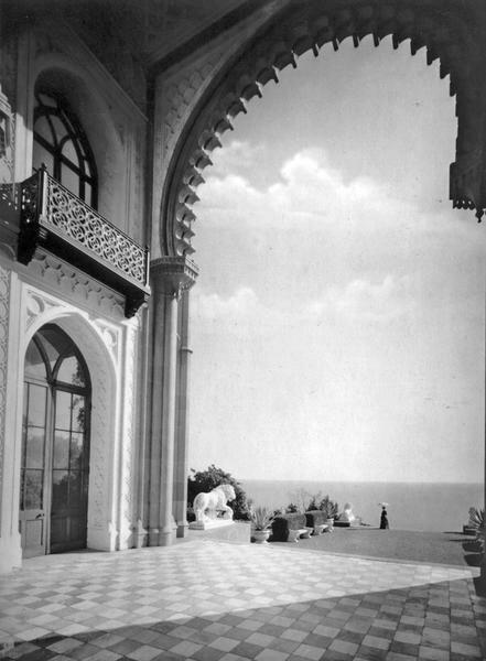 Алупка. Вид из Альгамбры