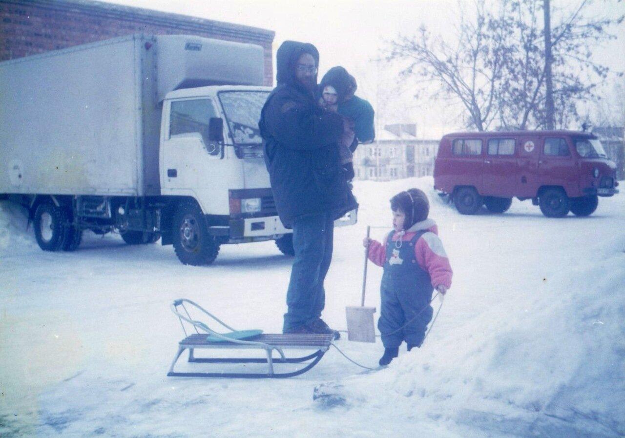 1997. Одна из фотографий, по которой дети реконструируют свои воспоминания о зиме