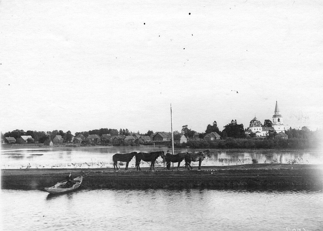 Вид на берег Ладожского канала