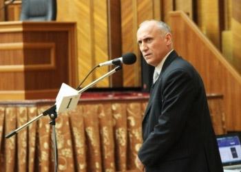 Недавно избранный член ВСМ Аворник обвиняется в мошенничестве