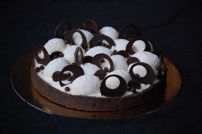 шоколадный тарт с черёмухой