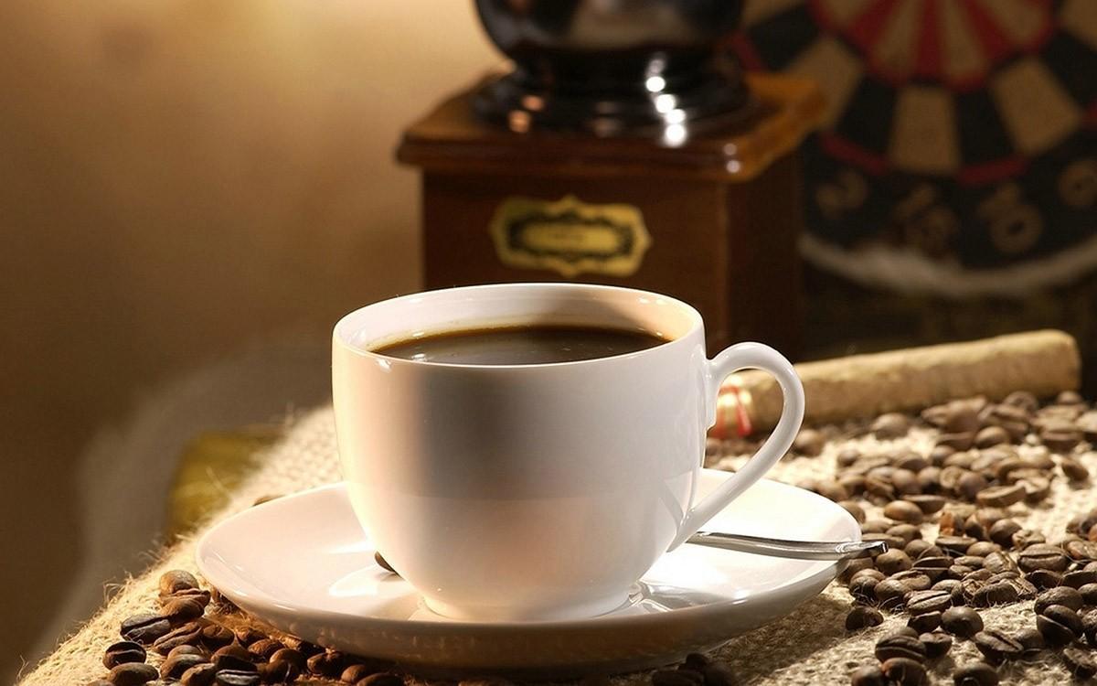8. Кофе Многие не представляют свое утро без чашечки кофе, а некоторые даже не сядут завтракать, есл