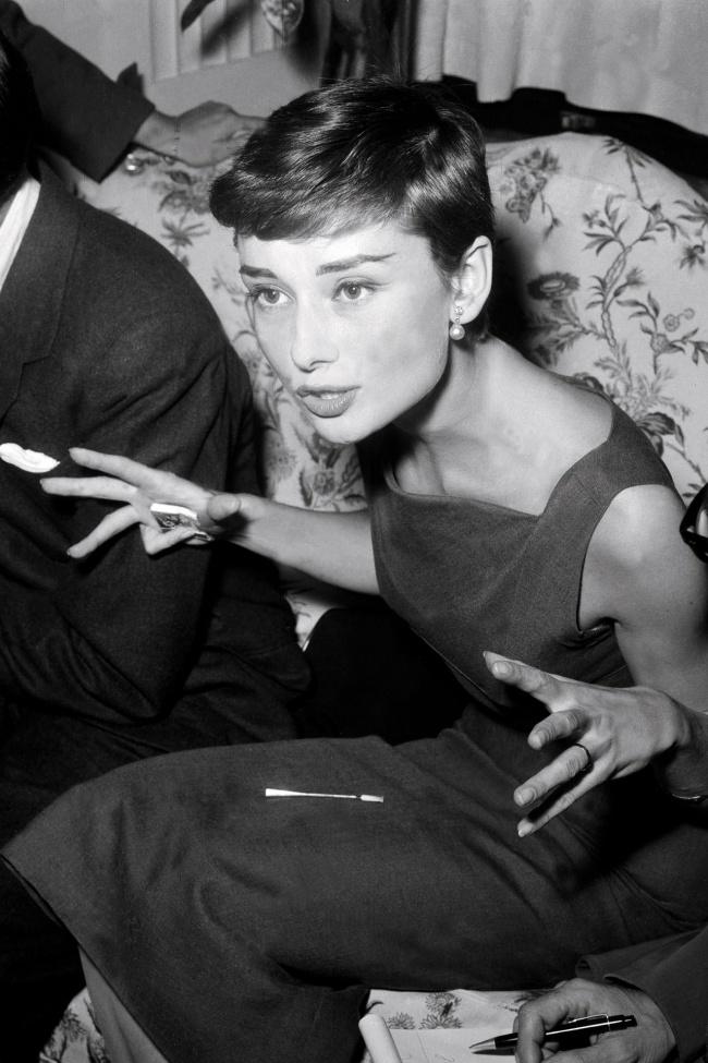 Пресс-конференция Одри Хепберн в Гранд-Отеле в Риме. 29 сентября 1954 г.