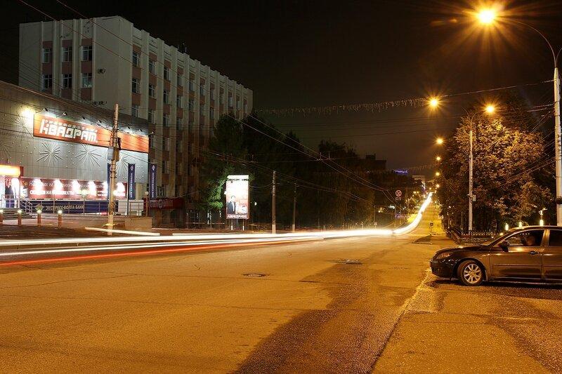 Трассы габаритных огней на ночной ул. К.Маркса в Кирове IMG_7761